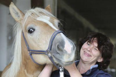 Berufsausbildung am Pferd mit Angelique Behrens am College Caball